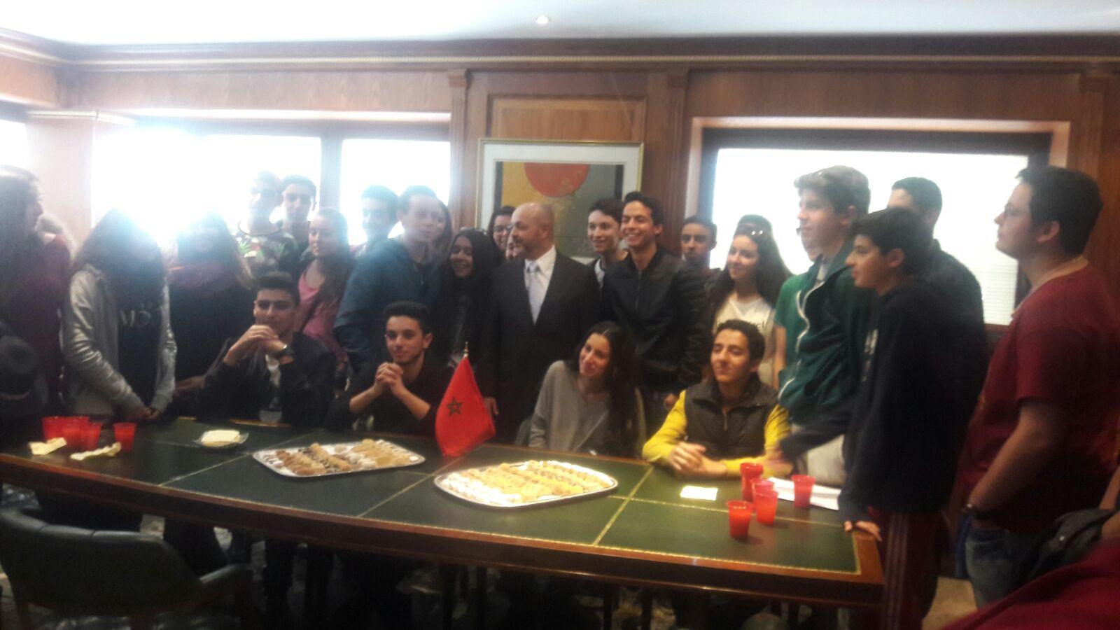Visita-alumnos-del-liceo-Juan-Ramón-Jiménez