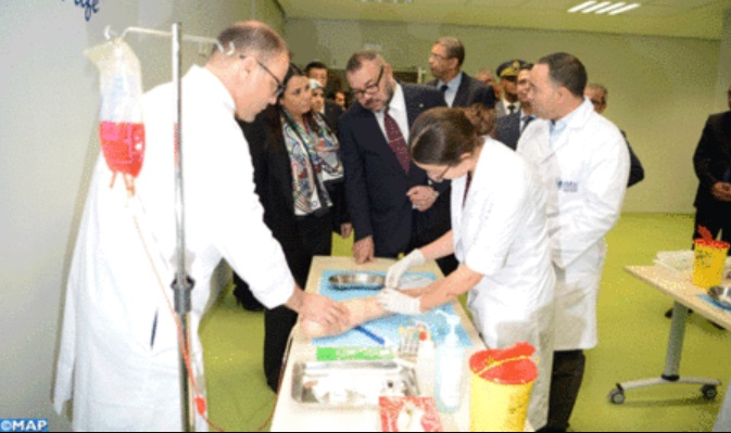 sm-el-rey-inaugura-la-universidad-mohammed-vi-de-las-ciencias-de-la-salud-2