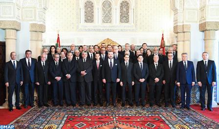 sm_le_roi_nomme_les_membres_du_nouveau_gouvernement-m_2
