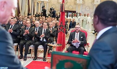 sm_le_roi_-_ceremonie_de_signature_daccords_nigeria-maroc_-m