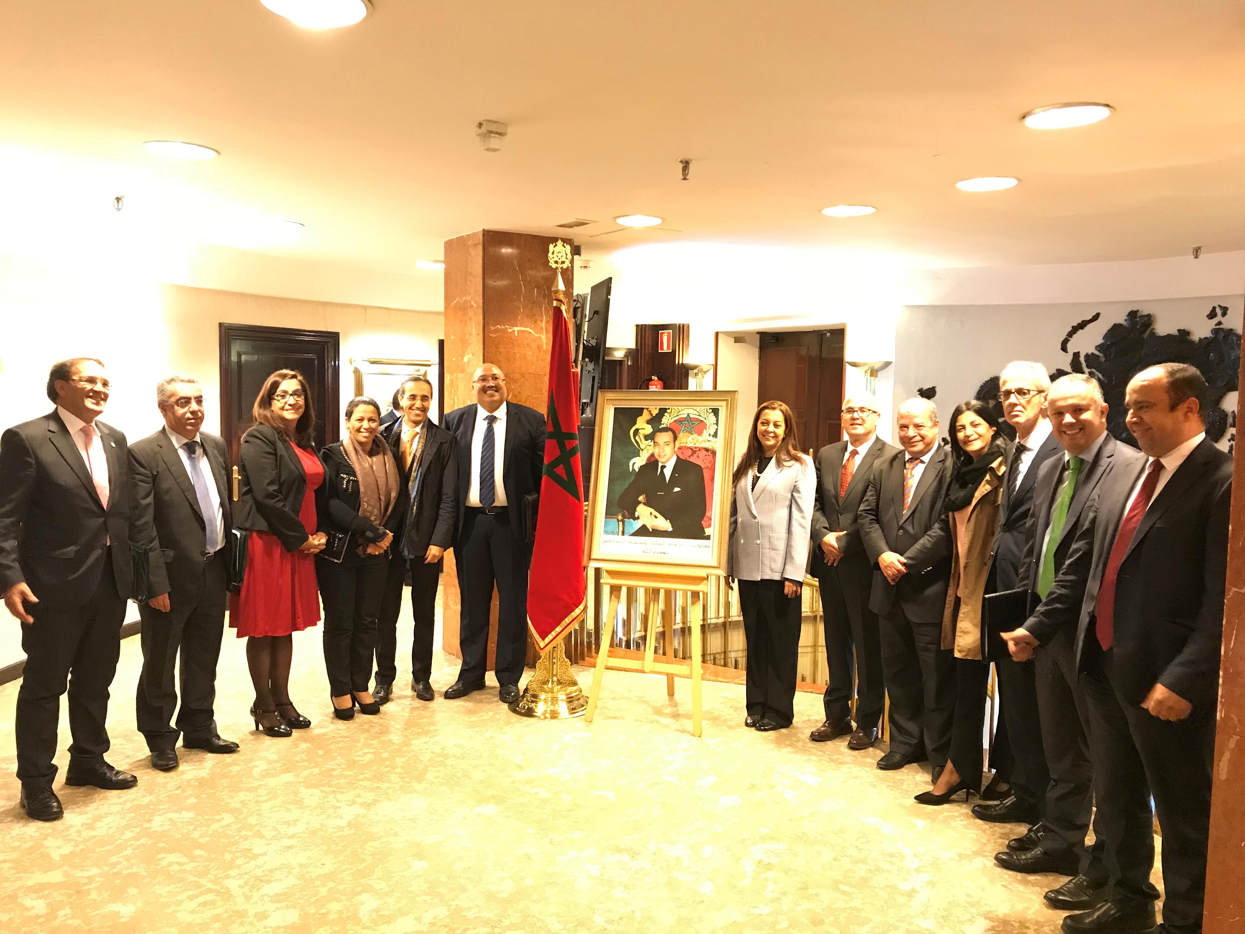 La Embajadora de Su Majestad el Rey de Marruecos en España, la Excma. Sra. Karima Benyaïch, presidió una reunión de coordinación con los doce cónsules generales del Reino en España