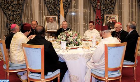 SM el Rey ofrece una cena oficial en honor a la delegación que acompaña a Su Santidad el Papa Francisco